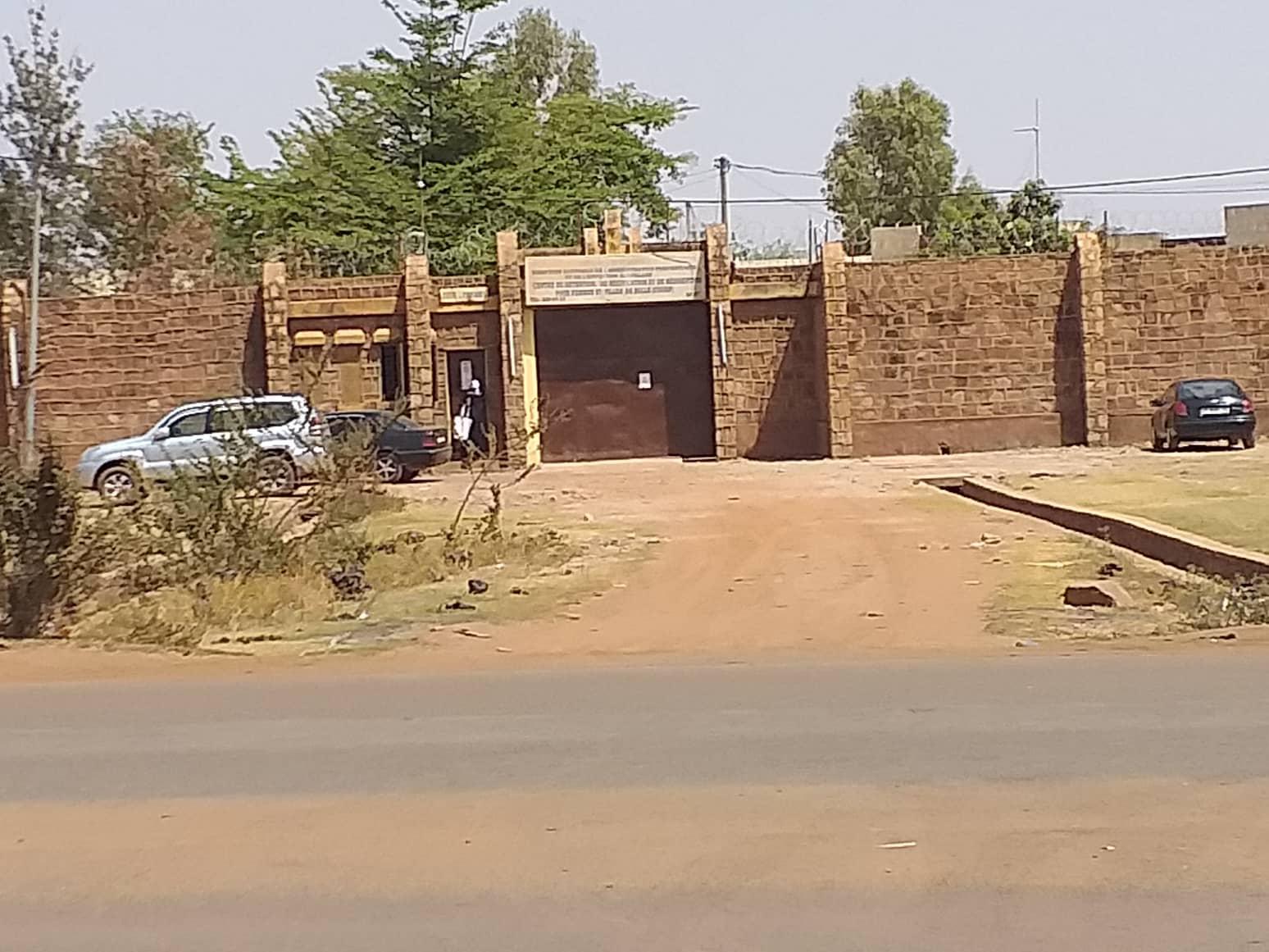 Celibamy femeie intalnire in Mali)
